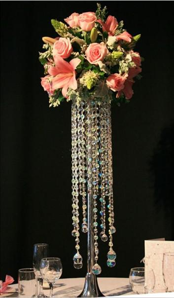 Crystal chandelier table top wedding tale
