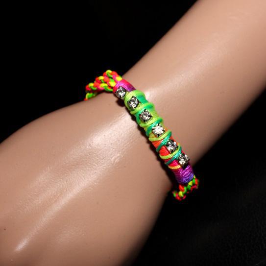 Braccialetti punk colorati Braccialetti diamantati Colori fluorescenti in pelle intrecciata