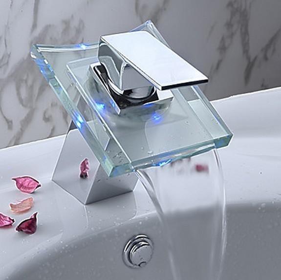 Schön Gute QualitätLED 3 Farbe Wasserfall Batterie Chrom Badezimmer Waschbecken  Waschbecken Wasserhahn Wasserhahn JN8002