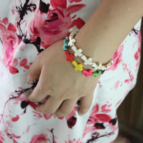 Cruz pulseira turquesa, pulseira artesanal, pulseira escalável, pulseira feminina.