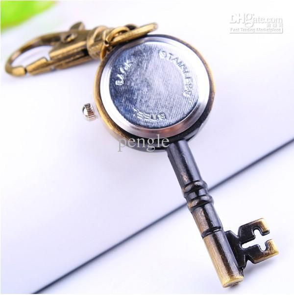 Hot Lovely Cute Retro Bronze reloj de bolsillo con collar con forma de llave collares de reloj como regalo gota envío gratis