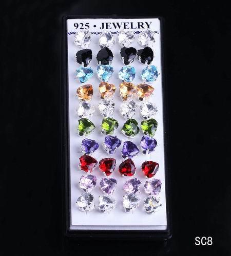 40 قطعة / صندوق قلوب الأذن ترصيع ملون كريستال مطلي 925 فضة الأذن وأقراط 5 صناديق / الكثير الأذن ثقب المجوهرات الشحن pp SC8 * 5