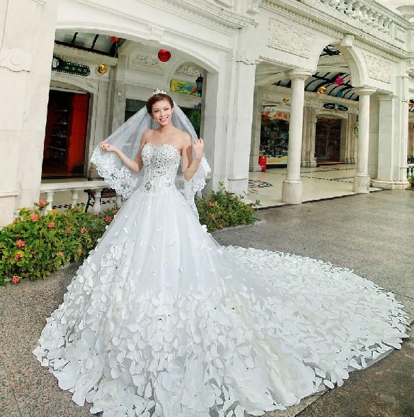 Super long train wedding dresses
