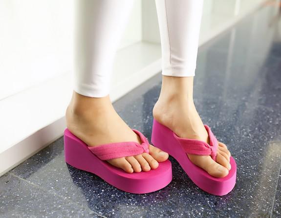 Frete grátis ~ Velocidade ~ 36-39 Black / Rosa Wedge Flip Flop Sandálias J597