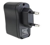 tipos de enchufe de teléfono celular al por mayor-20PCS Europa Tipo de enchufe de la UE USB AC Cargador de pared Adaptador estándar para cigarrillo electrónico e-cigarette mp3 mp4 teléfono celular ..