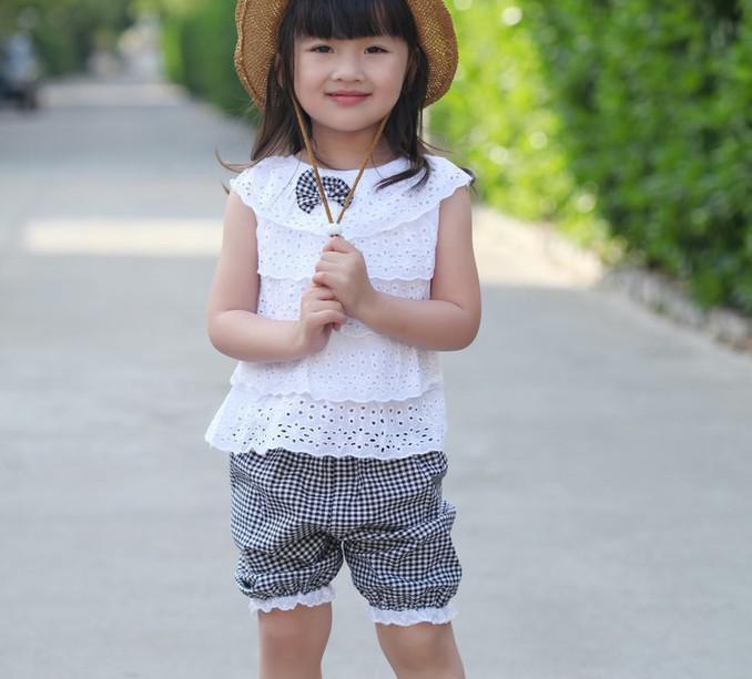 Novo estilo roupas de verão meninas escavar boneca pescoço colete top + calções grade esporte crianças set 2-5 anos ternos de bebê XR175