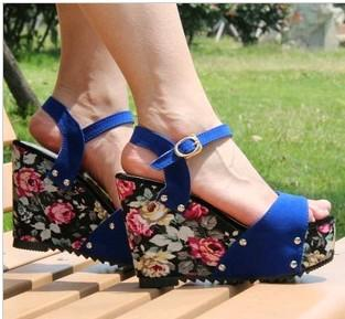 e54cc25adc9d7 2013 New Fashion Blue Red Black Flowers Wedges Platform Peep Toe Pumps High Heels  Sandals Casual Women Lady Girl Gift Free Ship Platform Shoes Prom Shoes ...