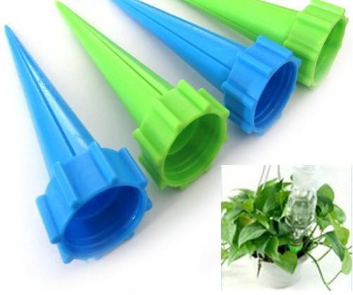 Plastic fles irrigatiesysteem tuin water geven spike plant bloem thaterers
