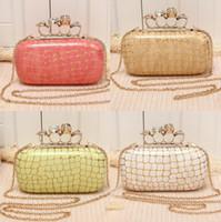 Wholesale Embossed Skull Handbags - Popular Knuckle Womens Evening Clutch Designer Clutch Handbags leather Gold Purse Online Skull Wild Luxury Party Shoulder Bag Stone Pattern