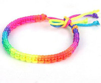 bracelets arc-en-ciel achat en gros de-Brand New 50 pcs / lot Mode coloré à la main Nylon Charms Bracelets cordon Amitié Bracelets couleur arc en ciel