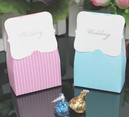 $enCountryForm.capitalKeyWord NZ - New Pink Stripe (Blue Dot) Candy Box Romantic Wedding Favors Party Gift Boxes