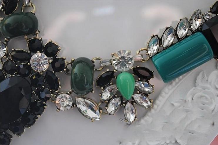 Colar Bib Gargantilha Ouro Verde Vintage New European Style Gem Rhinestone Resina Flor