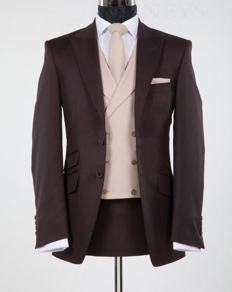 Новый дизайн шоколадно-коричневый пик отворотом жених смокинги друзья жениха свадебный пиджак костюмы деловые костюмы (куртка + брюки + жилет + галстук) БМ: 865