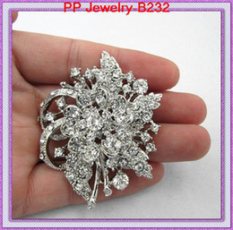 Wholesale China Ladies Dress - Vintage Silver Plated Flower Crystal Brooch Exquisite Lady Party Dress Brooch Elegant Rhodium Alloy Crystals Flower Women brooch