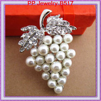 Wholesale Crystal Grapes Wholesalers - Vintage Silver Tone Sparkle Crystal Brooch PIN Faux Pearl Brooch Rhodium Plated Pretty Grapes Design Women Pins Brooch