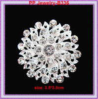 Wholesale Wholesale Bling Brooches - Bling Diamante Clear Rhinestone Crystal Silver Flower Brooch Pins B336