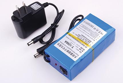 20 stks / partij DC12V 9800MAH Li-ion batterij oplaadbare lithiumbatterij voor CCTV Camera T-1298A EU US-plug beschikbaar