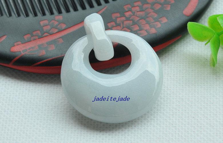 Natürlicher weißer Jadeit-Jade-Anhänger runder und runder Anhänger aus Jade-Anhänger