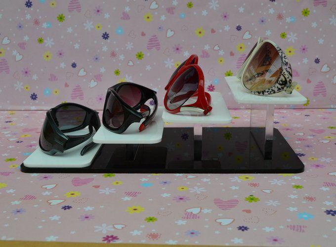 Banco di esposizione dei braccialetti dell'anello dei gioielli di mostra delle materie prime dell'esposizione dei prodotti della vetreria