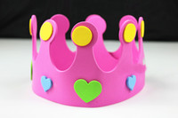 100pcs / lot de diverses couleurs Couronne Forme Parti réglable Décorations Chapeau For Kids Birthday Party MA54