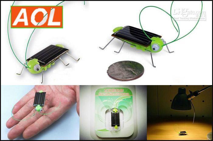Novità Mini energia solare alimentato giocattolo locusta, all'ingrosso giocattolo commovente insetto insetto solare cavalletta nuovo arrivo