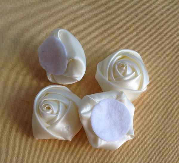 100 pcs Cor Creme 3.5 cm Fita Tecido Rosa Cabeças de Flor com Almofada para DIY Jóias Hairpin Barrette Headbands
