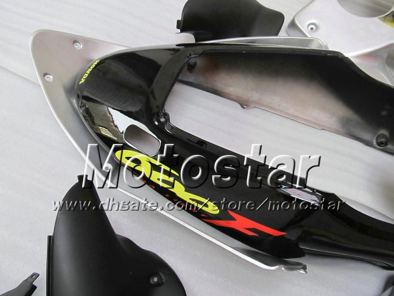 7 Carenados de obsequios de carrocería para HONDA CBR600F4i 01 02 03 CBR600 F4i CBR 600 F4i 2001 2002 2003 plata carenado negro VV47