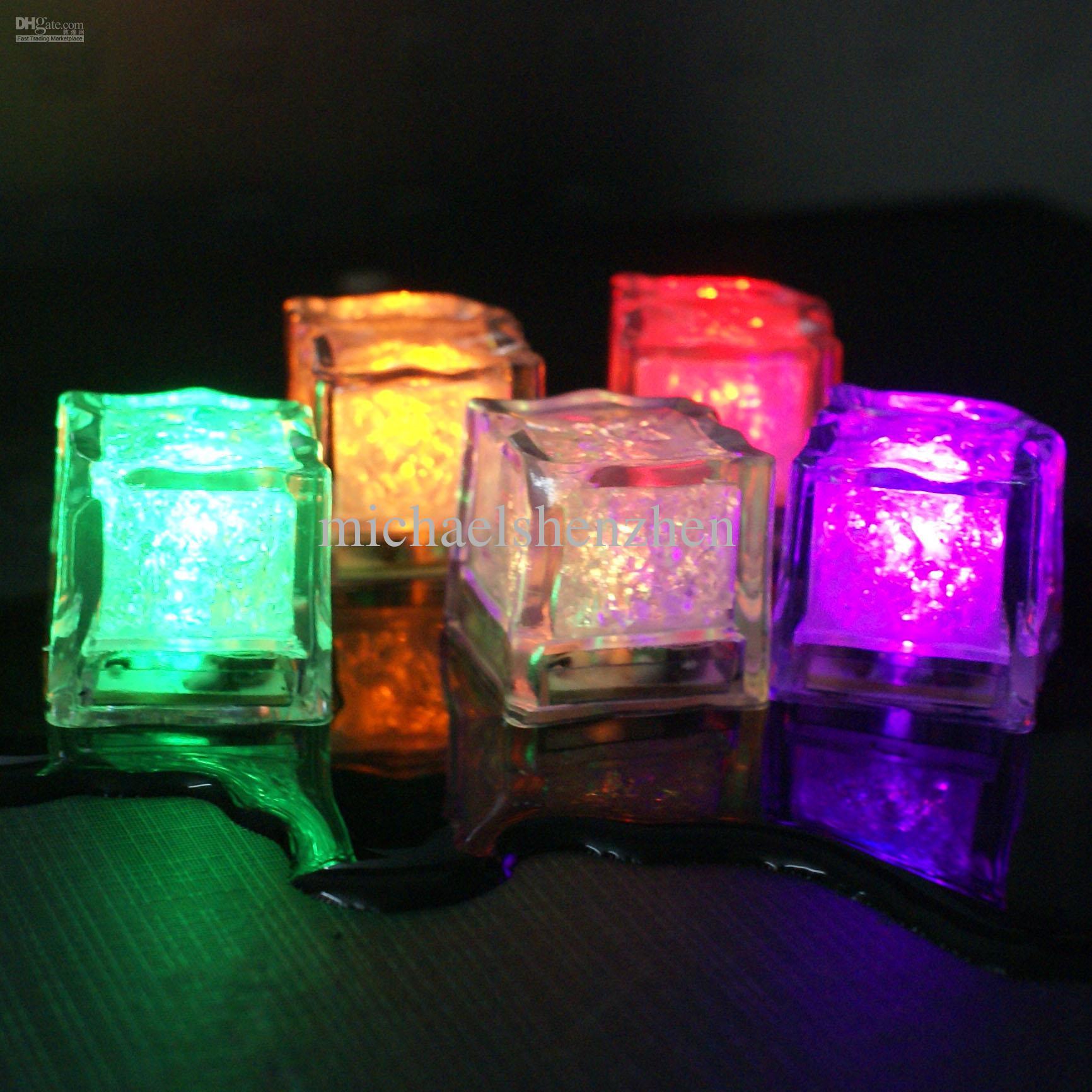 Hielo luminoso Plaza navideña Lámpara de hielo de colores colorida Noche de luz LED Festival de la fiesta Suministros Fiesta o boda Juguetes de LED