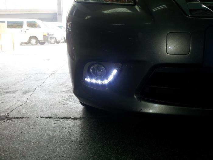 Super Bright LED Chips luzes diurnas DRL com tampa da lâmpada de nevoeiro para 2011-2012 NISSAN VERSA Sedan NISSAN SUNNY substituição