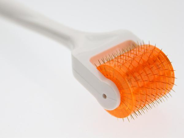 Rolo da pele da agulha das agulhas do titânio 200 do rolo de DNS Derma micro para a massagem de cara