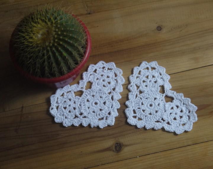En gros 100% coton fait à la main en forme de coeur crochet napperon dentelle tasse mat tapis mat, coaster 10 cm tapis de table personnalisation /