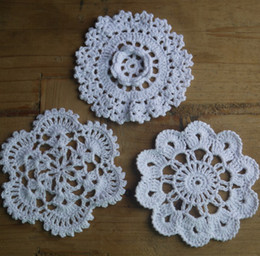 $enCountryForm.capitalKeyWord Canada - wholesale 100% cotton hand made crochet doily table cloth , 3 designs 11 colors custom , cup mat round 10-12cm crochet applique 30PCS LOT