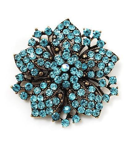 Spilla con spilla a forma di invito di matrimonio con fiore in cristallo strass blu placcato in bronzo
