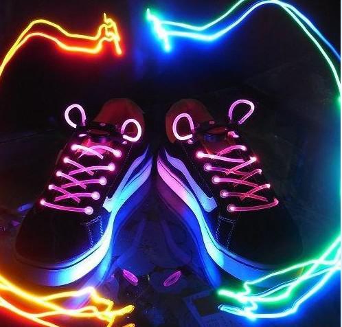 Sıcak satış !! Yanıp Sönen LED Ayakkabı Dantel Fiber Optik Ayakkabı Bağı Aydınlık Ayakkabı Danteller Light Up Ayakkabı dantel 10 adet (5 pair) ücretsiz kargo
