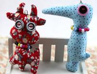 şık cep telefonları toptan satış-Şık düğme bebek vintage Craft Atölye Çin zodyak karikatür hayvanlar cep telefonu çanta sapanlar charms aksesuarları el yapımı oyuncaklar