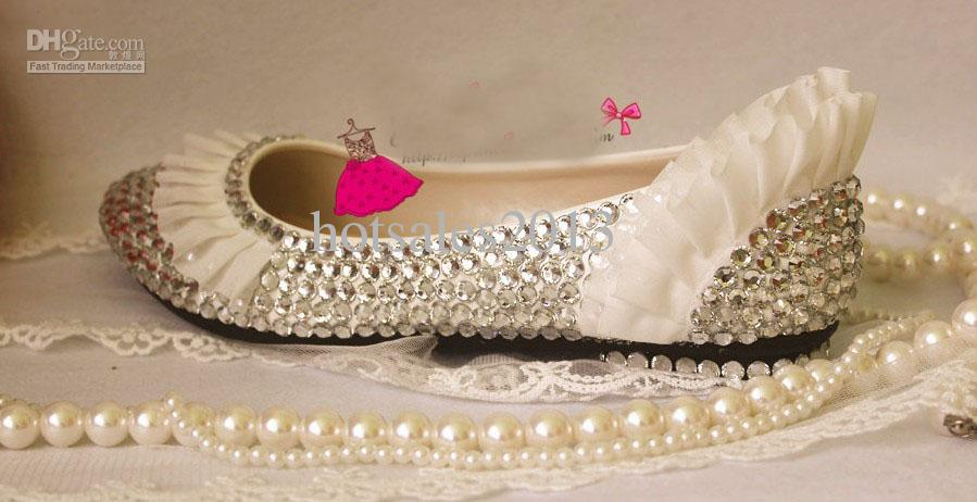 Nuevo Llegado de Encaje de Plata Rhinestone Tacones Bajos Bombas de Encaje Zapatos de Boda de La Perla zapatos de Novia Cristal Zapatos de Tacón partido Envío Gratis
