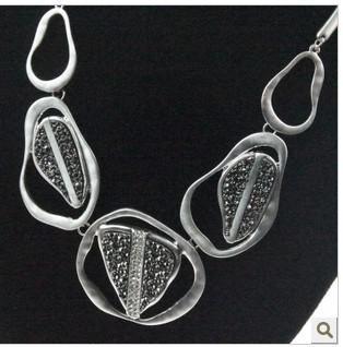 Hot Nieuwe Gratis verzending met tracking nummer mode kristal overdreven prachtige zilveren kettingen oorbellen kettingen / 708