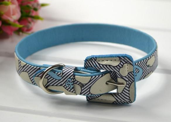 Nuovo collare del cane dell'animale domestico del cuoio dell'unità di elaborazione di stile con i colori misti dell'inarcamento di cuoio /