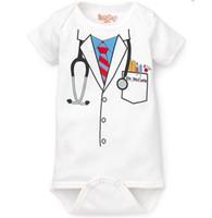 pieza de esmoquin gris al por mayor-mamelucos de bebés varones de los niños customes doctor gris una pieza negro esmoquin pajaritas