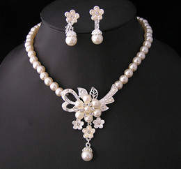 Wholesale Rhinestone Wedding Jewellery - Silver Plated Bridal Cream pearl and Rhinestone crystal Bridal necklace earrings Jewellery Set