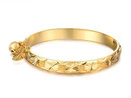 2019 i bambini dei braccialetti dell'oro 18k Buona spedizione gratuita N313 bella gioielli 18 k placcato oro braccialetto cuore campana bambino bambini braccialetto 5.4 '' i bambini dei braccialetti dell'oro 18k economici