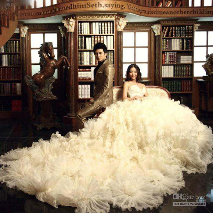 Discount Luxurious Long Tail Wedding Dresses 2015 Royal Sweetheart Hand Made Flower Monarch Bridal Gowns White Ivory Tulle Cathedral Length