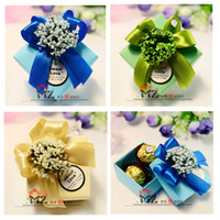 Cajas Para Caramelos Azul Claro Baratos-Romántico Lavender Candy Cajas Square Light Blue Paper Dark Blue Ribbon Favores de la boda Party Gift Box Holders 3 colores 50pcs / lot H045