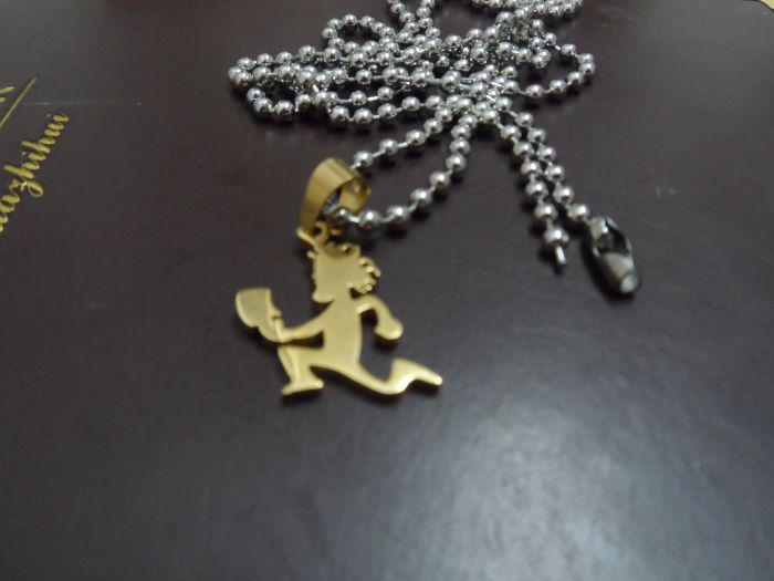 السفينة حرة! حار بيع 18 كيلو مطلية بالذهب samll 1 '' المقاوم للصدأ hatchetman سحر قلادة لا سلسلة icp المجوهرات أداء jugalo
