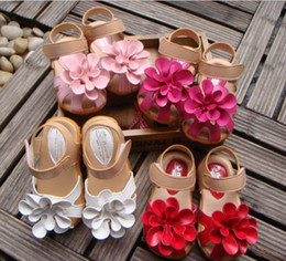 Wholesale big bottoms girl - Summer children sandals for girl 3D big flower cowhells bottom pu fabric girls princess shoes 1-3Year baby sandals shoes QS315