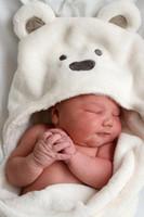 ingrosso biancheria bianca in corallo-[Prodotti Minizone] Bambino in pile di corallo che si abbracciano in cotone neonatale con braccia e asciugamano Asciugamani Biancheria da letto Biancheria da letto Coperte-Bianco