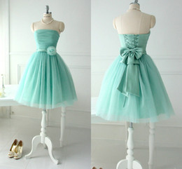 Wholesale Strapless Short Green Beach Dresses - Short Lovely Mint Tulle Bridesmaid Dresses For Teens Young Girls 2016 Chic Flower Bow Sash Lace up Strapless Bridal Party Beach Wear Gowns