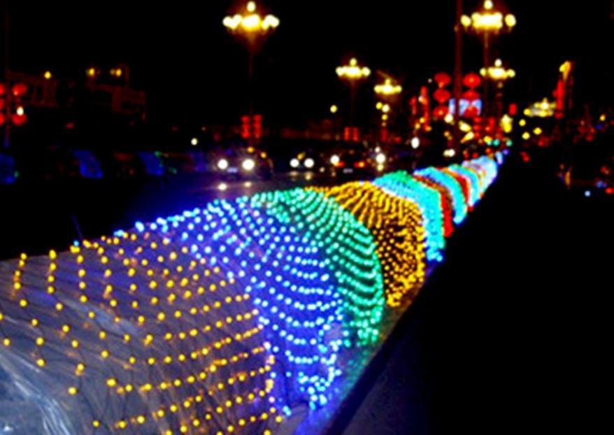 Agregue el tapón de cola de hadas navideños de malla candelabros LED redes lámparas netas luces 1.5m * 1.5m 120LED