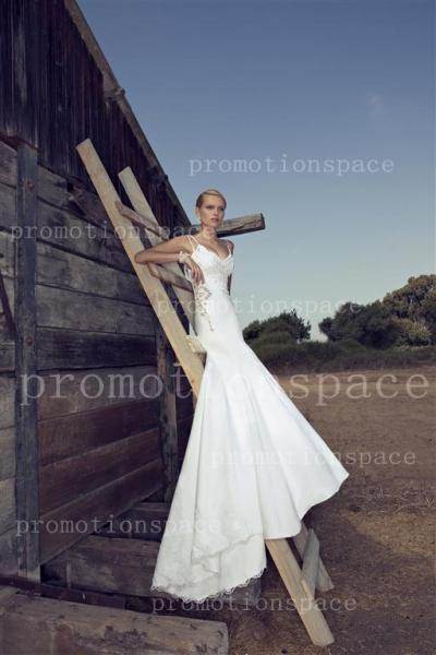 Fashion spaghetti straps court train backless white bridal gowns sleeveless chiffon sequins lace mermaid wedding dresses RD 13013