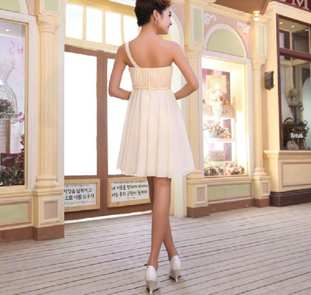 One-shoulder A-line Chiffon Mini Bridesmaid Dresses Short Hand-made Flower Party Gown